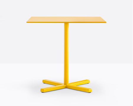 Bold Square yellow outdoor table